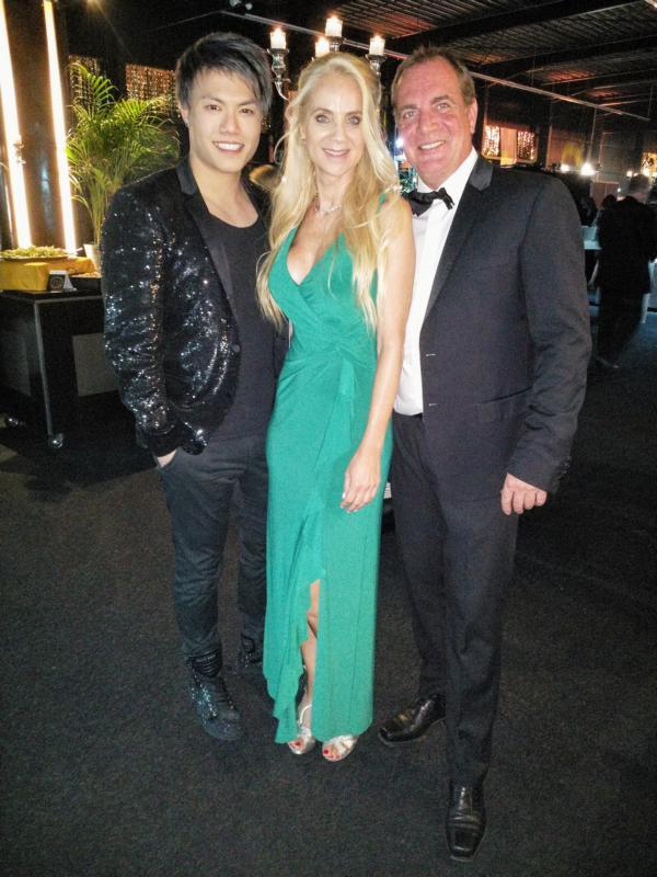 Supertalent Jay Oh, Schauspielerin Manuela Jansen mit Mann Sascha auf der Goldene Sonne 2018 Gala in Kalkar