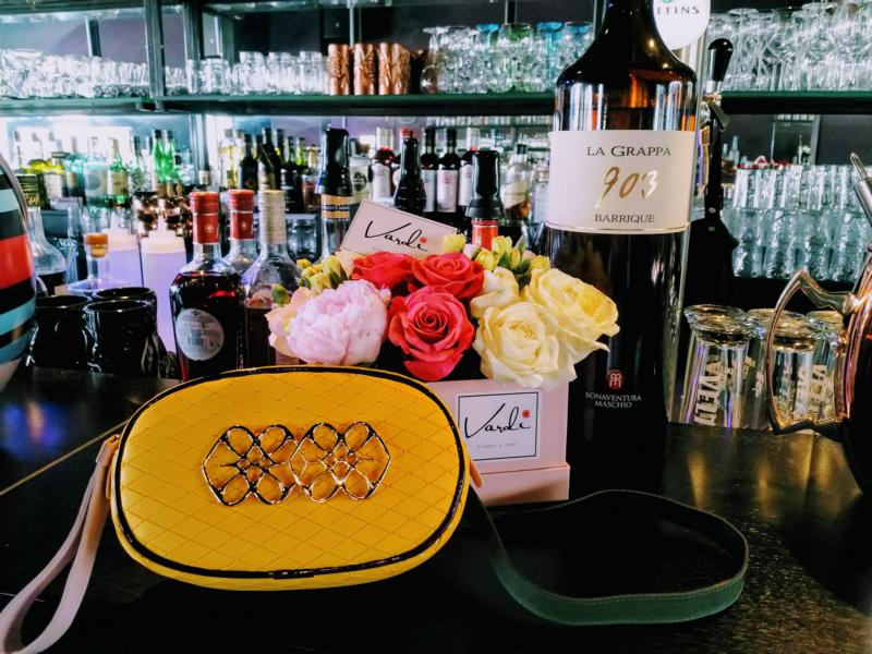 Cuplé Tasche und Vardi Flowers