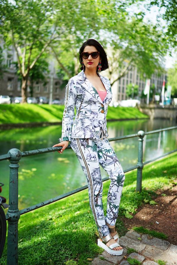Foto: Ekaterina Moré, Outfit & Styling: Gabi Sollereder, Model: Klaudija Paunovic (Ich)