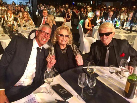 Hannelore mit Heino auf der Verleihung der goldenen Sonne 2017