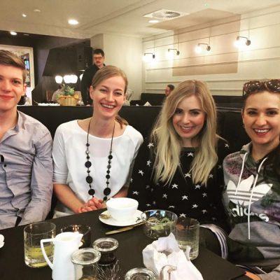 """Janosch Engelmann, Sarah Hüsemann (Verkaufsleitung """"The Fritz""""), Bloggerin Katharina Bansemer (@Thefancylifestyleofkatharina) und ich hatten Spaß beim Brunch."""