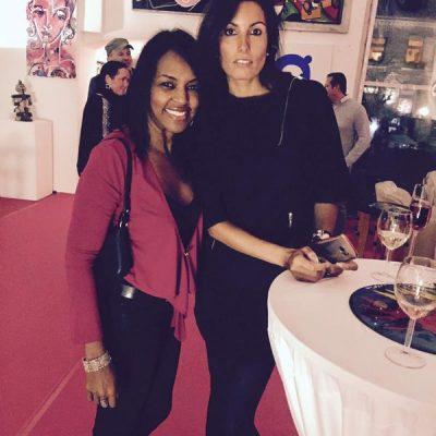 Die internationale Fashion-Fotografin Cintia Barroso Alexander mit Freundin Rosi.