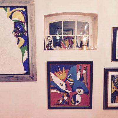 Auf dem Roebershof 1 in Jüchen befindet sich die Galerie von Markus Tollmann in einer ehemaligen Scheune.